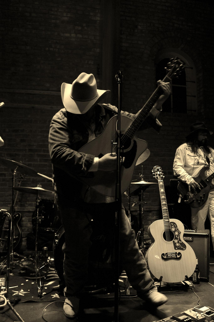 Les Allen as Dwight Yoakam
